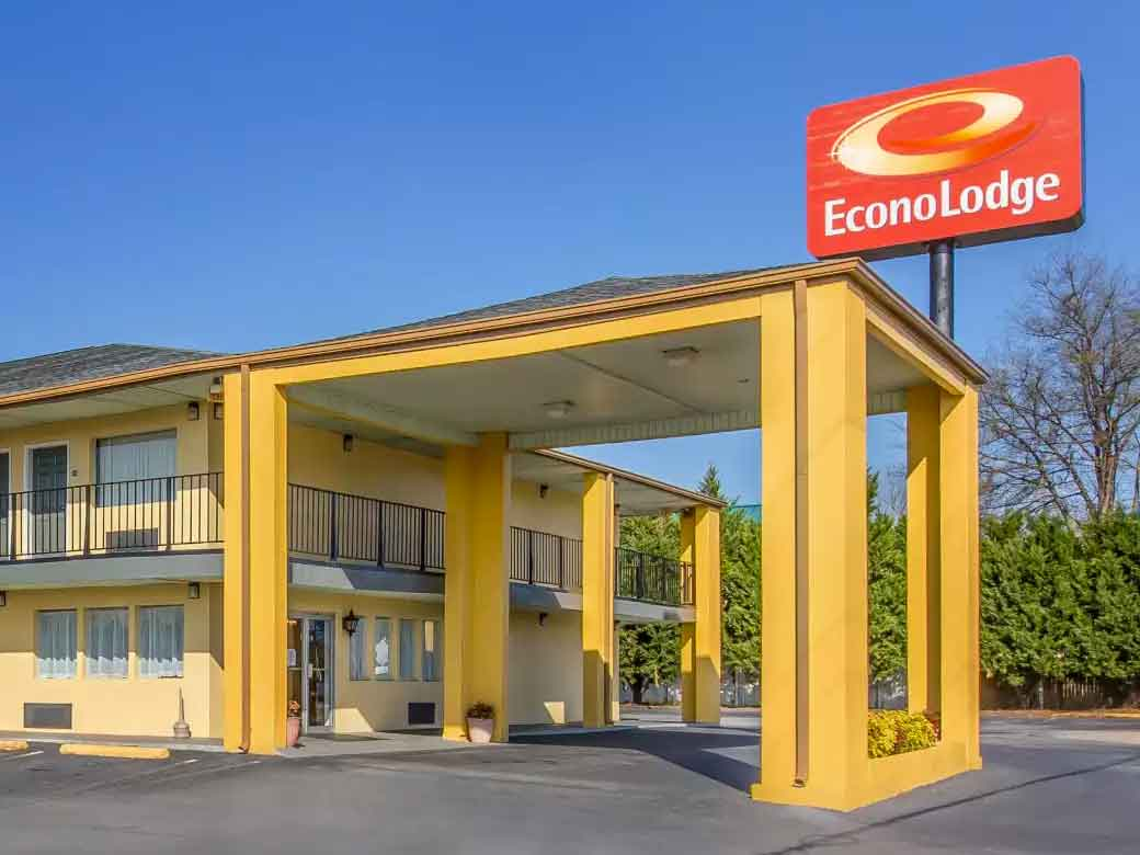 EconoLodge-And-Suites-Near-Atlanta-Skydiving