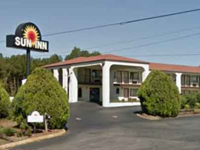 Sun-Inn-And-Suites-Near-Atlanta-Skydiving